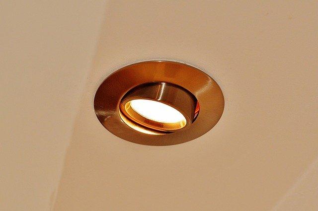 bodové stropní svítidlo