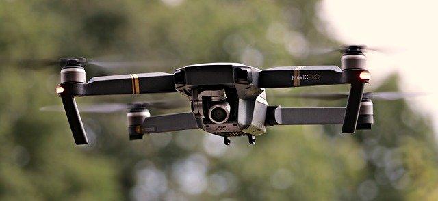 Létající robotické letadlo