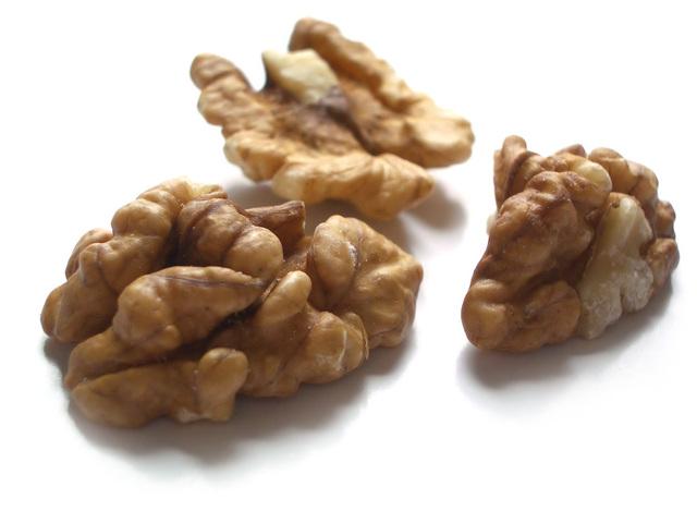 walnut-1549176-640x480